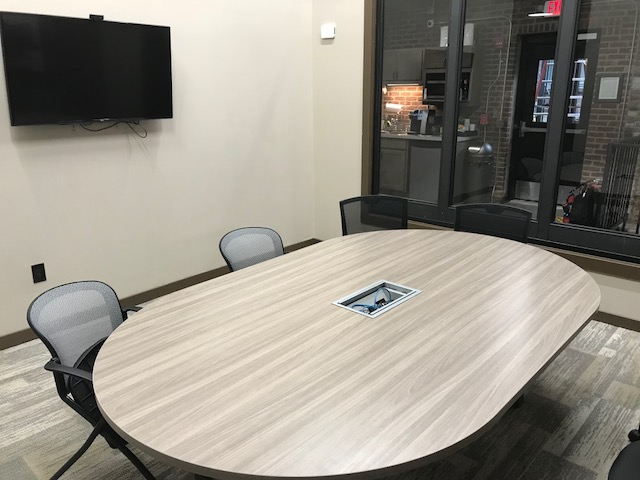 Nice Conference and Meeting Rooms in Avon Lake