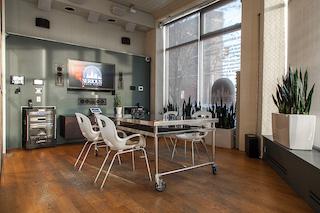 Stylish Union City Meeting Room