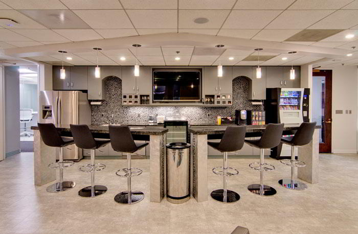 Break Room - Kitchen Area - Washington Executive Suite