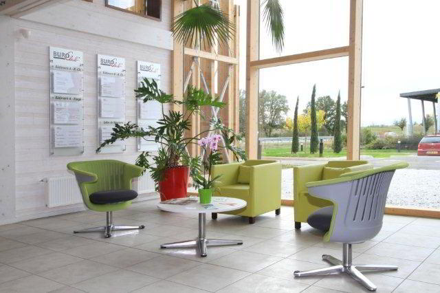 Terssac  Virtual Office Space - Comfortable Commons Area