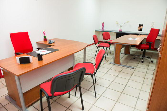 Baie-Mahault Virtual Office Space - Comfortable Commons Area