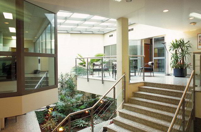 Receptionist and Mail Area - Paris Virtual Office