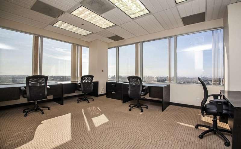 El Segundo Virtual Office Space - Comfortable Commons Area