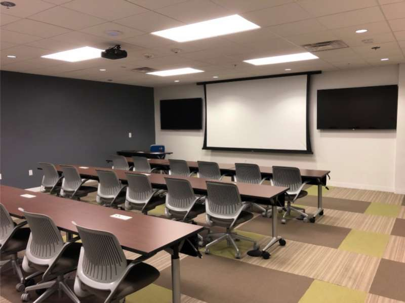 Nice Conference and Meeting Rooms in Irvine