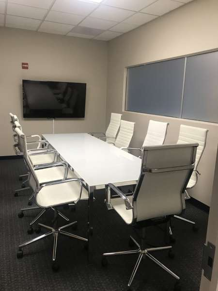Stylish Laurel Meeting Room