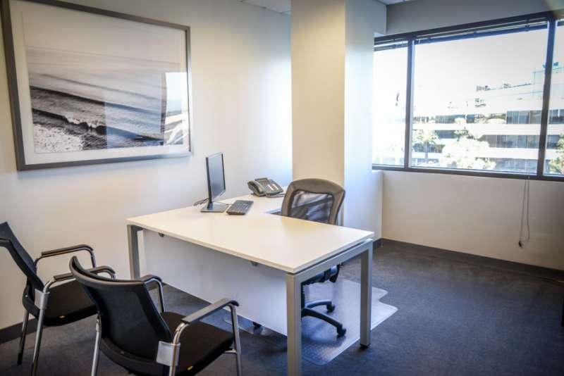 Virtual Offices Manhattan Beach - Temp Offices or Meeting Room