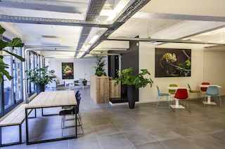 Antwerp Virtual Office Space - Comfortable Commons Area