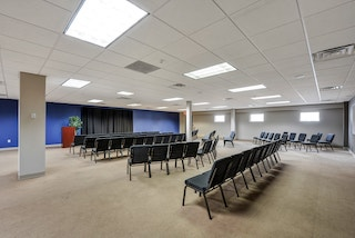 Stylish Roswell Meeting Room