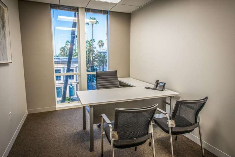 Virtual Offices Beverly Hills - Temp Offices or Meeting Room