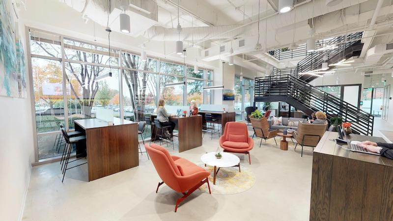 Alpharetta Virtual Office Space - Comfortable Commons Area