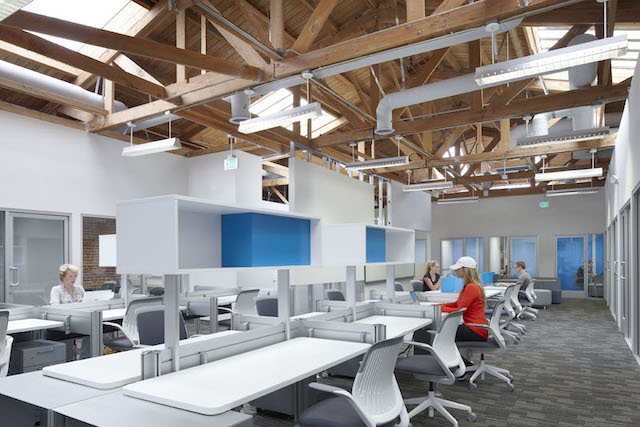 Santa Monica Virtual Office Space - Comfortable Commons Area