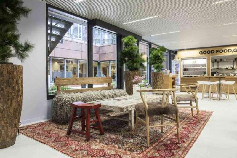 Break Room - Kitchen Area - Brussels Virtual Office