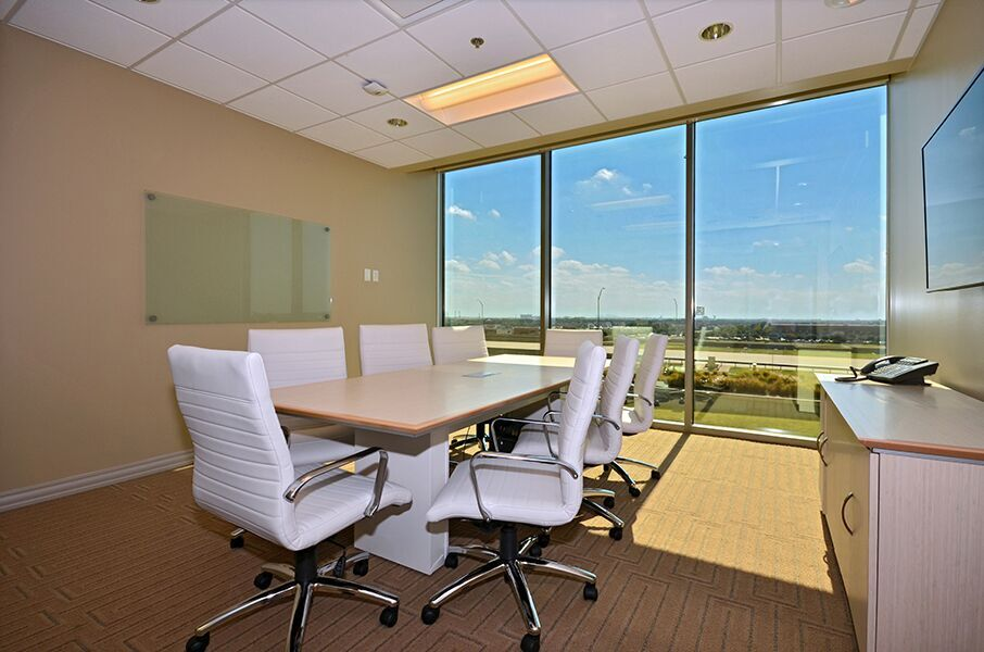 Nice Conference and Meeting Rooms in Mckinney