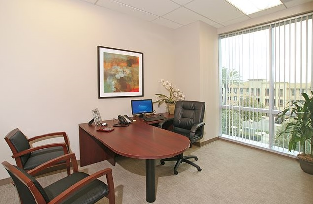 Aliso Viejo Temporary Private Office or Meeting Room