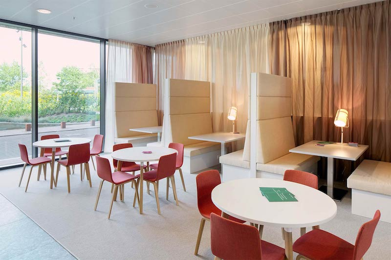 Almere Busines Address - Lounge Area
