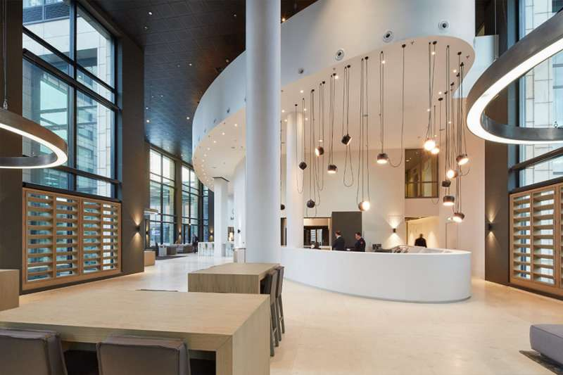 Amsterdam Live Receptionist and Business Address Lobby