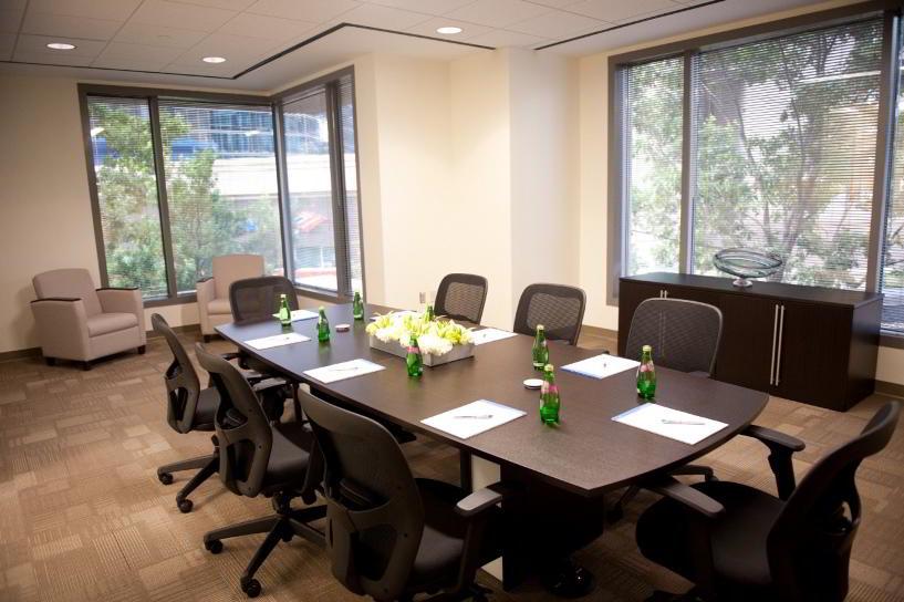Stylish Atlanta Meeting Room
