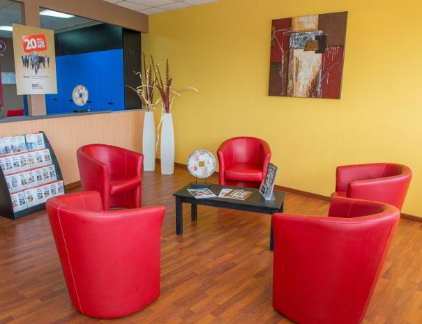 Baie-Mahault Busines Address - Lounge Area