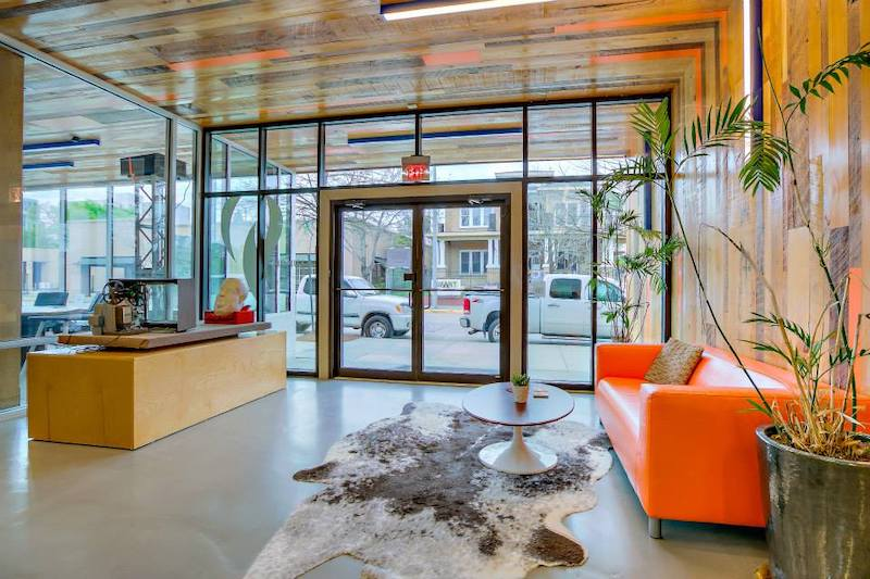 Baton Rouge Live Receptionist and Business Address Lobby