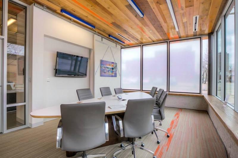 Stylish Baton Rouge Meeting Room