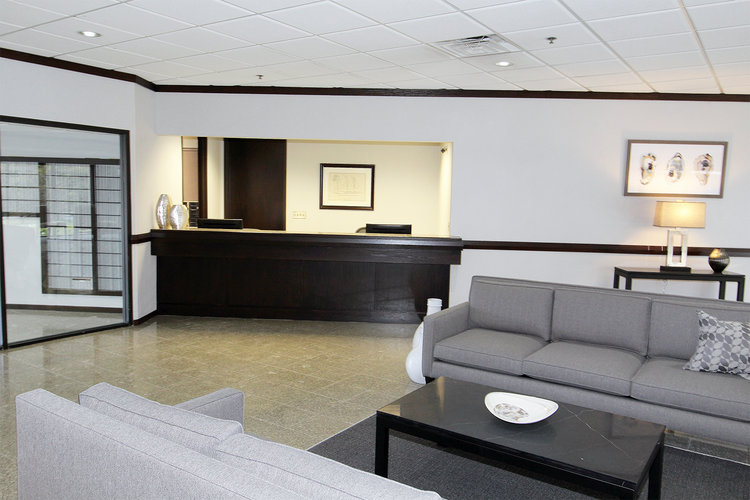 Receptionist Lobby - Virtual Offices in Bloomfield Hills