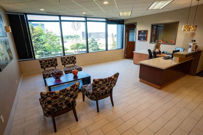 Bloomington Live Receptionist and Business Address Lobby