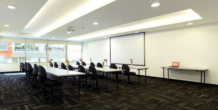 Stylish Bogota Meeting Room