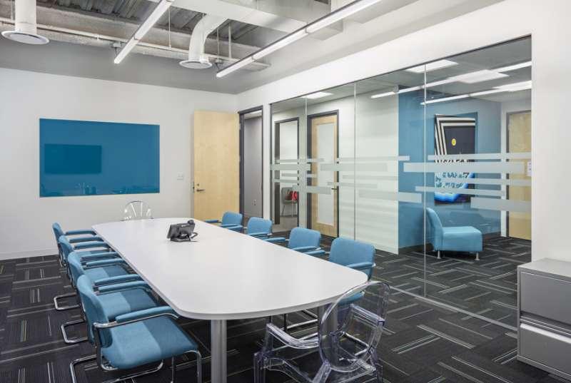 Stylish Boston Meeting Room