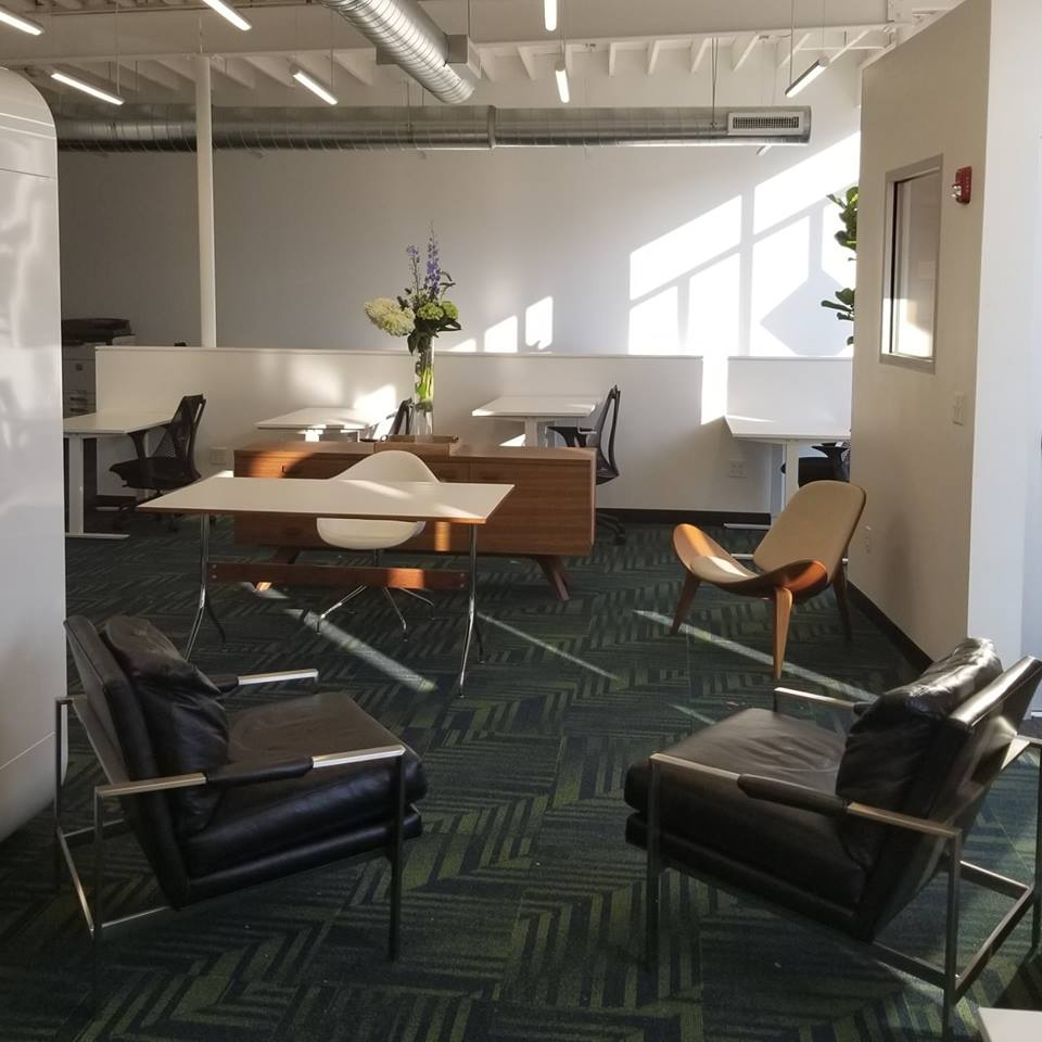 Cambridge Virtual Office Space - Comfortable Commons Area