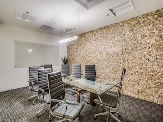 Stylish Dallas Meeting Room