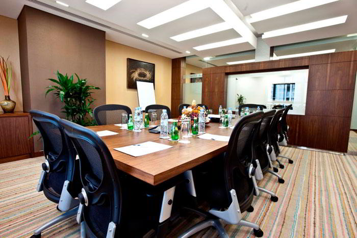 Stylish Dubai Meeting Room