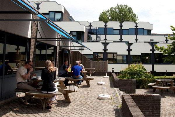 Ede Busines Address - Lounge Area