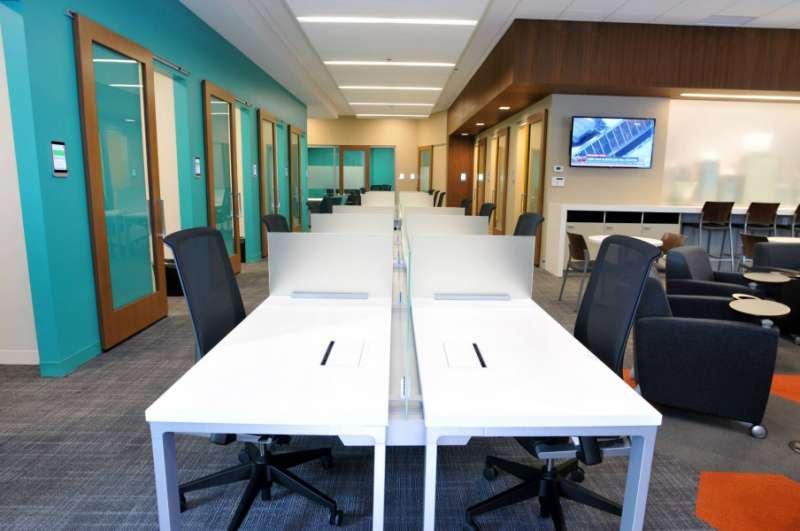 Edina Virtual Office Space - Comfortable Commons Area