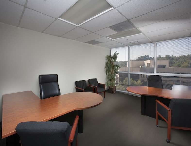 Virtual Offices Encino - Temp Offices or Meeting Room