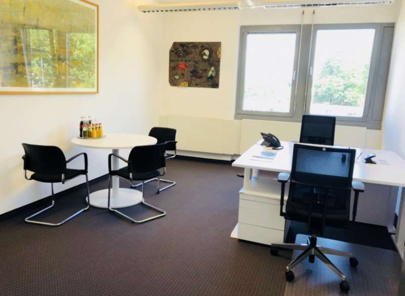Essen Virtual Office Space - Comfortable Commons Area