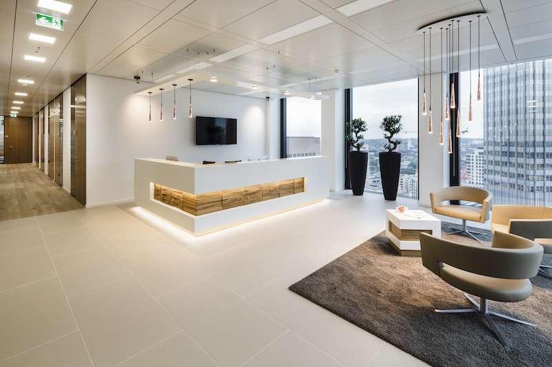 Frankfurt am Main Live Receptionist and Business Address Lobby