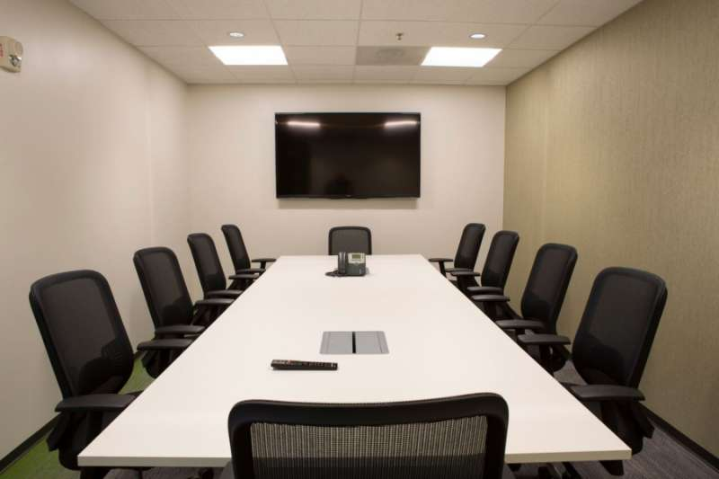 Stylish Gaithersburg Meeting Room