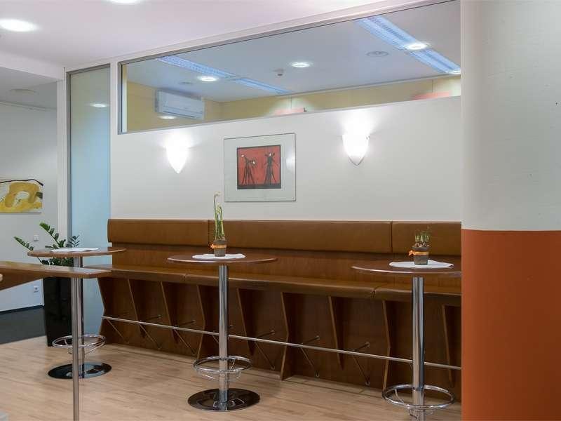 Graz Virtual Office Space - Comfortable Commons Area