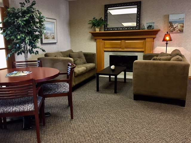 Green Bay Virtual Office Space - Comfortable Commons Area