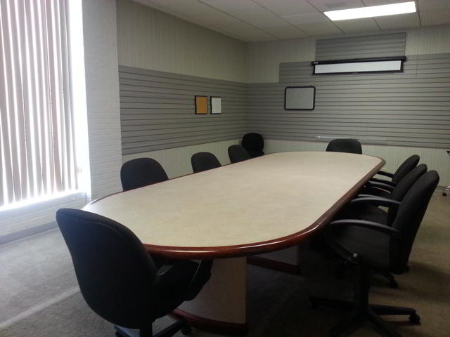 Stylish Green Bay Meeting Room