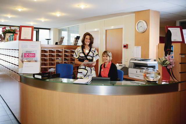 Grenoble Live Receptionist and Business Address Lobby