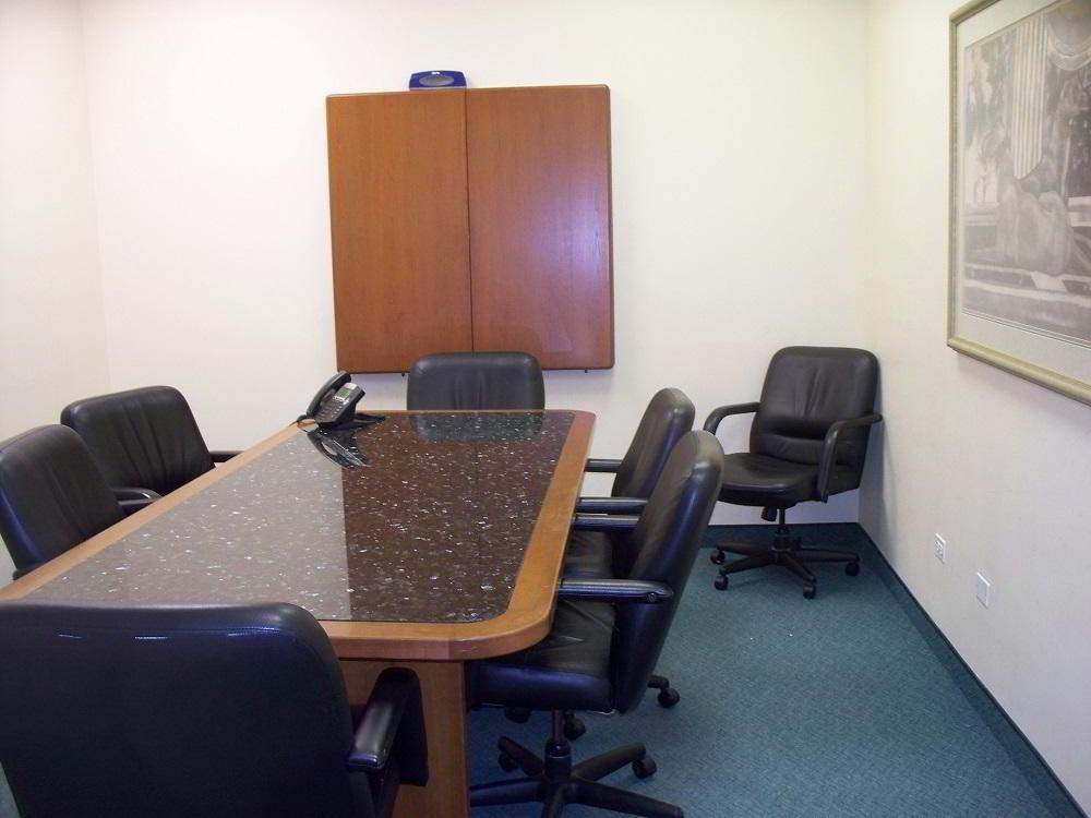 Stylish Gurnee Meeting Room