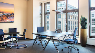 Temporary Hamburg Office - Meeting Room
