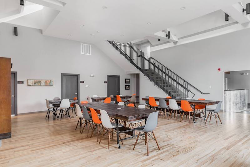 Indianapolis Virtual Office Space - Comfortable Commons Area