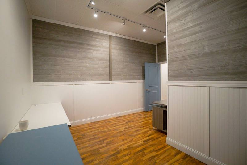 Jacksonville Virtual Office Space - Comfortable Commons Area