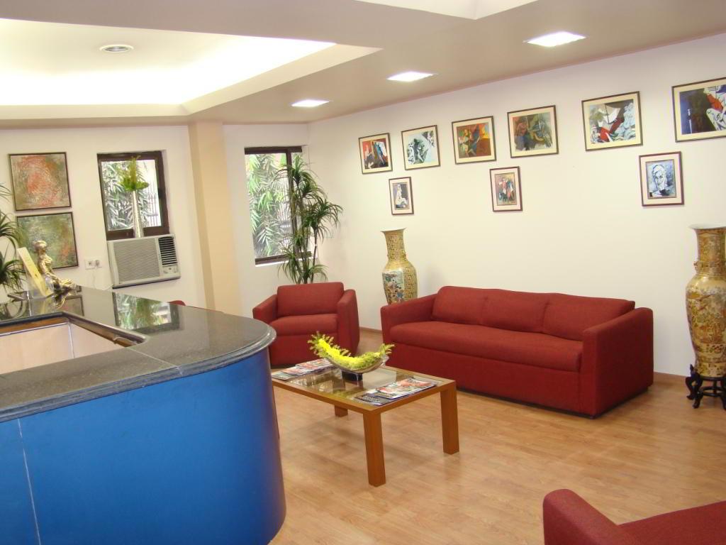 Receptionist Welcoming Area - Kolkata Virtual Office
