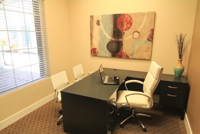 Las Vegas Temporary Private Office or Meeting Room