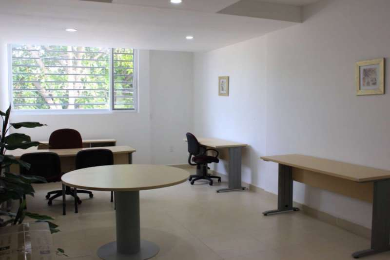 Leon Virtual Office Space - Comfortable Commons Area