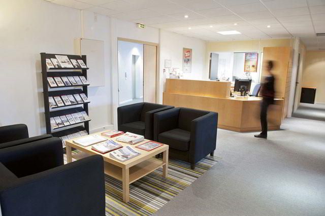 Receptionist Lobby - Virtual Offices in Lille