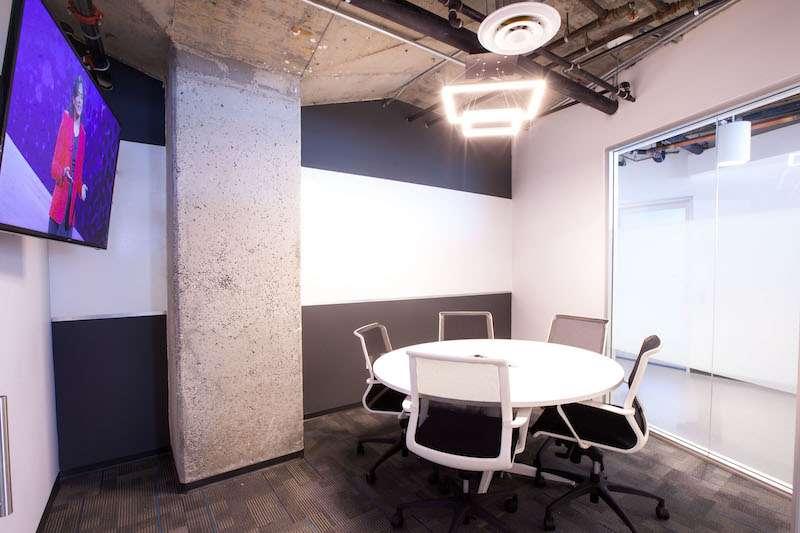 Stylish Los Angeles Meeting Room